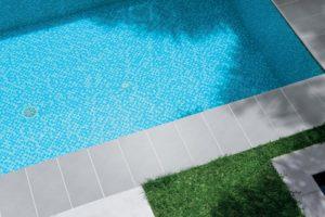 202 - realizace - bazénový lem